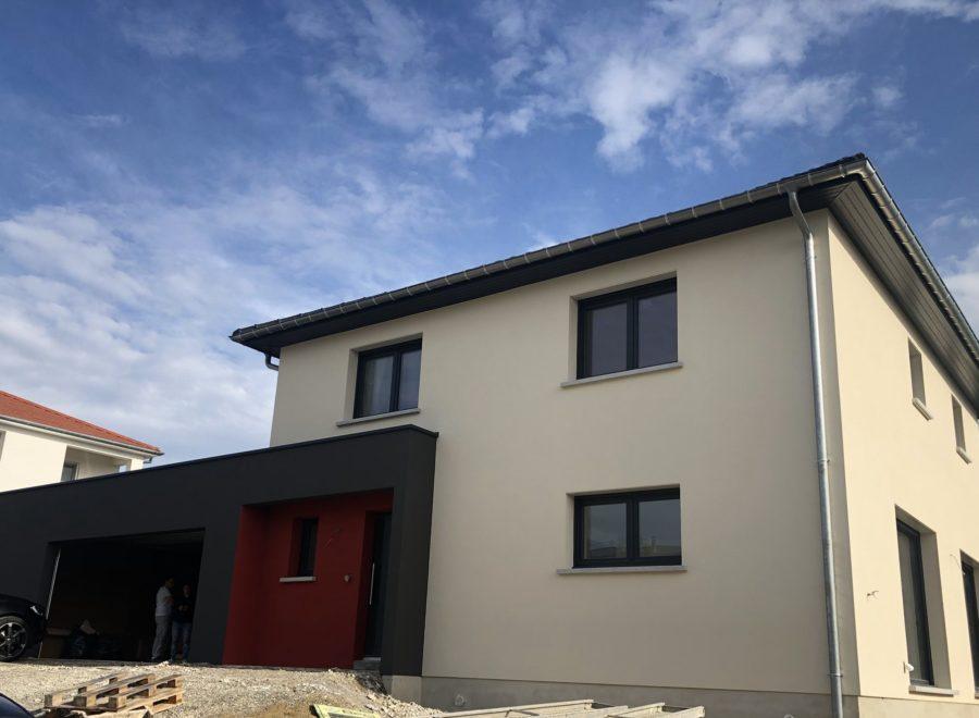 Belle maison avec garage accolé en toit plat