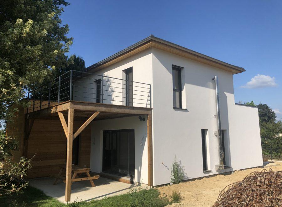 Maison contemporaine avec terrasse en hauteur