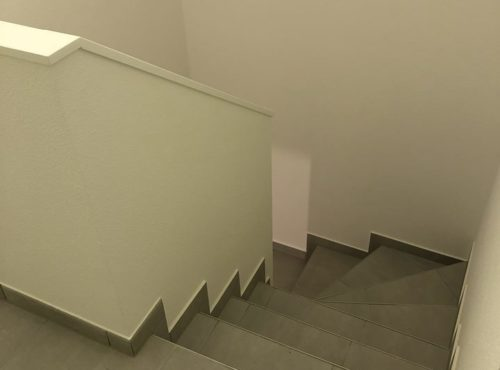 Bel escalier en carrelage