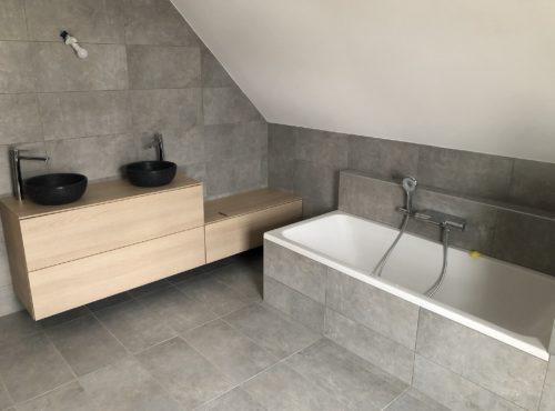 Belle salle de bain contemporaine esprit nature