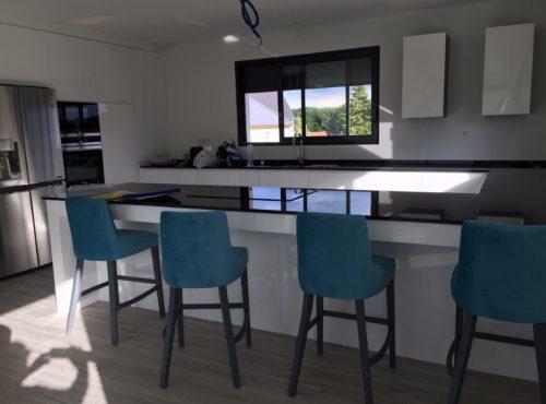 Grande et sublime cuisine maison ossature bois