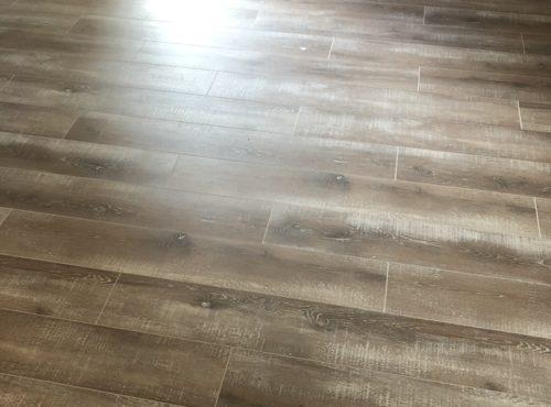 Carrelage effet bois vieilli maison contemporaine