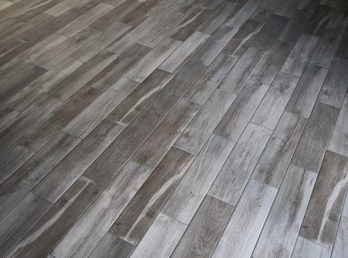 Parquet effet bois grisé maison ossature bois