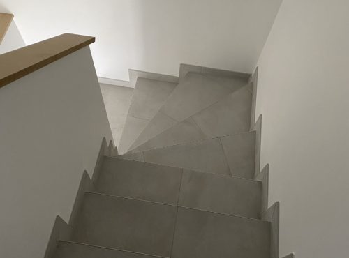 Escalier accès étage maison deux pans Cernay